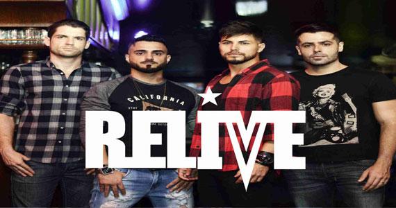 Show da banda Relive no Republic Pub acompanhada do DJ Bisnaguinha