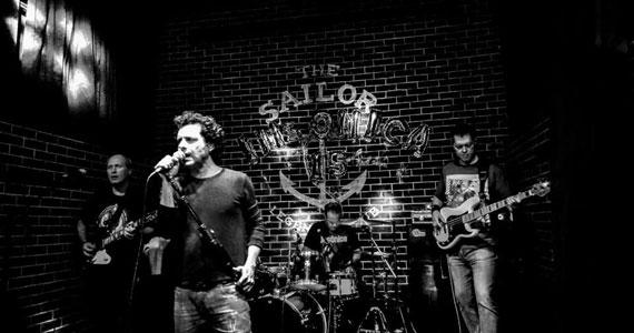 Noite de Sábado com show da banda Insônica no The Sailor Legendary Pub