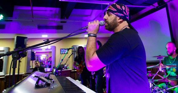 Show da banda Mr. Legacy no Stones Music Bar