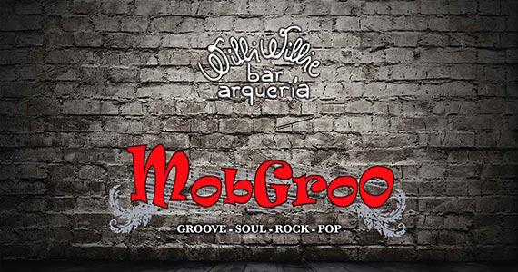 Banda MobGroo comanda a noite com clássicos do rock no Willi Willie Bar e Arqueria