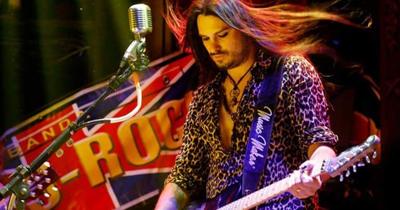 Rolls Rock realiza show no Bar Charles Edward