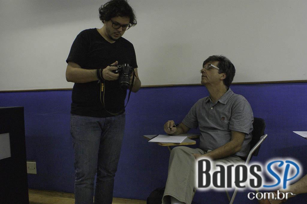 <a href='http://www.facebook.com/sharer.php?u=http://www.baressp.com.br/cursos/fotos/1075&picture=http://www.baressp.com.br/admin/btd_cursos/fotos/1075_1.jpg' target='_blank'><img src='/images/icones/social64x64/facebook.png' alt='Facebook BaresSP' title='Compartilhe esta foto' width='40' /></a>&nbsp;<a href='http://twitter.com/share?text=Compartilhe&amp;lang=pt%26url=http://www.baressp.com.br/admin/btd_cursos/fotos/1075_1.jpg' target='_blank'><img src='/images/icones/social64x64/twitter.png' alt='Twitter BaresSP' title='Compartilhe esta foto' width='40' /></a>&nbsp;<a href='http://www.baressp.com.br/admin/btd_cursos/fotos/1075_1.jpg download><img src='/images/icones/download_icon.png' alt='Download' title='Baixar imagem' width='33' style='margin-bottom:4px;' /></a>