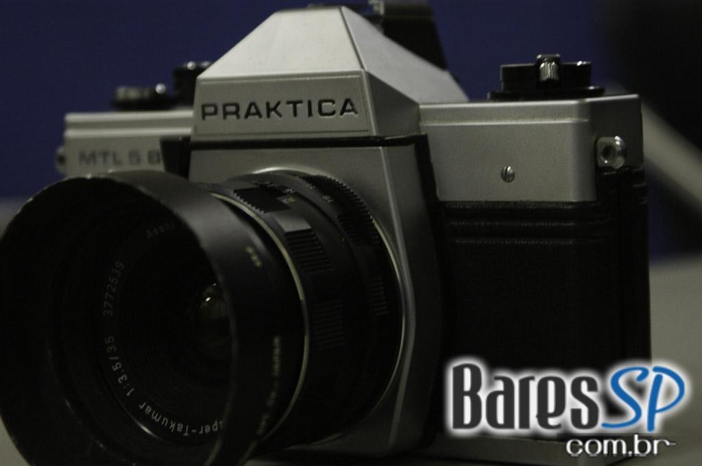 <a href='http://www.facebook.com/sharer.php?u=http://www.baressp.com.br/cursos/fotos/1075&picture=http://www.baressp.com.br/admin/btd_cursos/fotos/1075_14.jpg' target='_blank'><img src='/images/icones/social64x64/facebook.png' alt='Facebook BaresSP' title='Compartilhe esta foto' width='40' /></a>&nbsp;<a href='http://twitter.com/share?text=Compartilhe&amp;lang=pt%26url=http://www.baressp.com.br/admin/btd_cursos/fotos/1075_14.jpg' target='_blank'><img src='/images/icones/social64x64/twitter.png' alt='Twitter BaresSP' title='Compartilhe esta foto' width='40' /></a>&nbsp;<a href='http://www.baressp.com.br/admin/btd_cursos/fotos/1075_14.jpg download><img src='/images/icones/download_icon.png' alt='Download' title='Baixar imagem' width='33' style='margin-bottom:4px;' /></a>