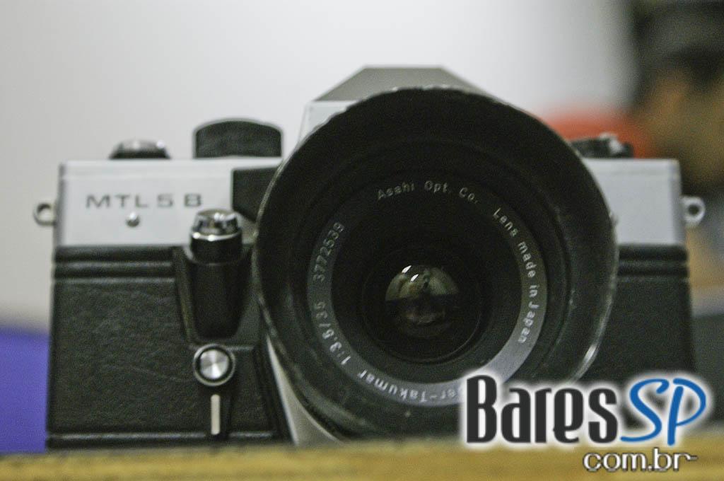 <a href='http://www.facebook.com/sharer.php?u=http://www.baressp.com.br/cursos/fotos/1075&picture=http://www.baressp.com.br/admin/btd_cursos/fotos/1075_16.jpg' target='_blank'><img src='/images/icones/social64x64/facebook.png' alt='Facebook BaresSP' title='Compartilhe esta foto' width='40' /></a>&nbsp;<a href='http://twitter.com/share?text=Compartilhe&amp;lang=pt%26url=http://www.baressp.com.br/admin/btd_cursos/fotos/1075_16.jpg' target='_blank'><img src='/images/icones/social64x64/twitter.png' alt='Twitter BaresSP' title='Compartilhe esta foto' width='40' /></a>&nbsp;<a href='http://www.baressp.com.br/admin/btd_cursos/fotos/1075_16.jpg download><img src='/images/icones/download_icon.png' alt='Download' title='Baixar imagem' width='33' style='margin-bottom:4px;' /></a>