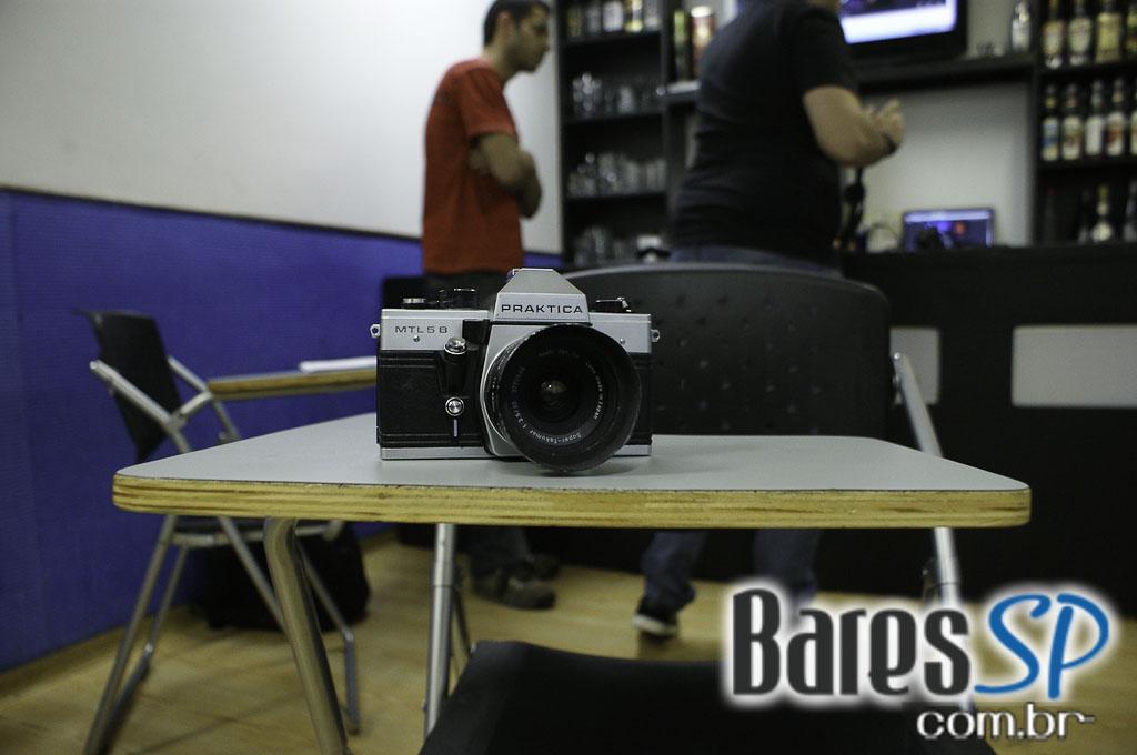 <a href='http://www.facebook.com/sharer.php?u=http://www.baressp.com.br/cursos/fotos/1075&picture=http://www.baressp.com.br/admin/btd_cursos/fotos/1075_20.jpg' target='_blank'><img src='/images/icones/social64x64/facebook.png' alt='Facebook BaresSP' title='Compartilhe esta foto' width='40' /></a>&nbsp;<a href='http://twitter.com/share?text=Compartilhe&amp;lang=pt%26url=http://www.baressp.com.br/admin/btd_cursos/fotos/1075_20.jpg' target='_blank'><img src='/images/icones/social64x64/twitter.png' alt='Twitter BaresSP' title='Compartilhe esta foto' width='40' /></a>&nbsp;<a href='http://www.baressp.com.br/admin/btd_cursos/fotos/1075_20.jpg download><img src='/images/icones/download_icon.png' alt='Download' title='Baixar imagem' width='33' style='margin-bottom:4px;' /></a>