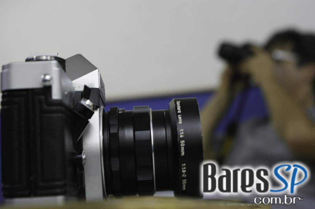 <a href='http://www.facebook.com/sharer.php?u=http://www.baressp.com.br/cursos/fotos/1075&picture=http://www.baressp.com.br/admin/btd_cursos/fotos/1075_25.jpg' target='_blank'><img src='/images/icones/social64x64/facebook.png' alt='Facebook BaresSP' title='Compartilhe esta foto' width='40' /></a>&nbsp;<a href='http://twitter.com/share?text=Compartilhe&amp;lang=pt%26url=http://www.baressp.com.br/admin/btd_cursos/fotos/1075_25.jpg' target='_blank'><img src='/images/icones/social64x64/twitter.png' alt='Twitter BaresSP' title='Compartilhe esta foto' width='40' /></a>&nbsp;<a href='http://www.baressp.com.br/admin/btd_cursos/fotos/1075_25.jpg download><img src='/images/icones/download_icon.png' alt='Download' title='Baixar imagem' width='33' style='margin-bottom:4px;' /></a>