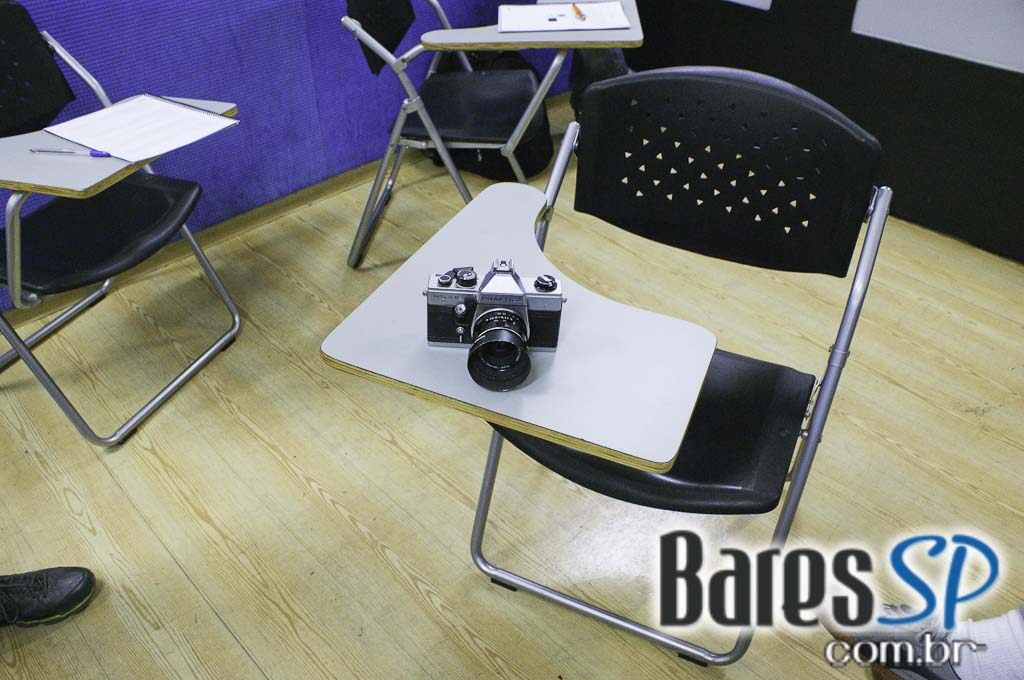 <a href='http://www.facebook.com/sharer.php?u=http://www.baressp.com.br/cursos/fotos/1075&picture=http://www.baressp.com.br/admin/btd_cursos/fotos/1075_9.jpg' target='_blank'><img src='/images/icones/social64x64/facebook.png' alt='Facebook BaresSP' title='Compartilhe esta foto' width='40' /></a>&nbsp;<a href='http://twitter.com/share?text=Compartilhe&amp;lang=pt%26url=http://www.baressp.com.br/admin/btd_cursos/fotos/1075_9.jpg' target='_blank'><img src='/images/icones/social64x64/twitter.png' alt='Twitter BaresSP' title='Compartilhe esta foto' width='40' /></a>&nbsp;<a href='http://www.baressp.com.br/admin/btd_cursos/fotos/1075_9.jpg download><img src='/images/icones/download_icon.png' alt='Download' title='Baixar imagem' width='33' style='margin-bottom:4px;' /></a>