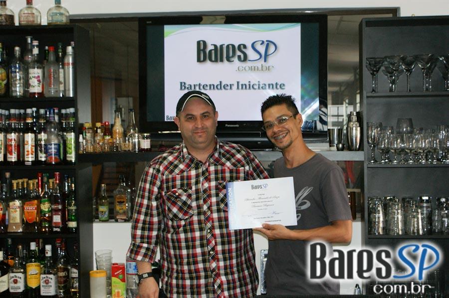 <a href='http://www.facebook.com/sharer.php?u=http://www.baressp.com.br/cursos/fotos/1432&picture=http://www.baressp.com.br/admin/btd_cursos/fotos/DSC07963.jpg' target='_blank'><img src='/images/icones/social64x64/facebook.png' alt='Facebook BaresSP' title='Compartilhe esta foto' width='40' /></a>&nbsp;<a href='http://twitter.com/share?text=Compartilhe&amp;lang=pt%26url=http://www.baressp.com.br/admin/btd_cursos/fotos/DSC07963.jpg' target='_blank'><img src='/images/icones/social64x64/twitter.png' alt='Twitter BaresSP' title='Compartilhe esta foto' width='40' /></a>&nbsp;<a href='http://www.baressp.com.br/admin/btd_cursos/fotos/DSC07963.jpg download><img src='/images/icones/download_icon.png' alt='Download' title='Baixar imagem' width='33' style='margin-bottom:4px;' /></a>