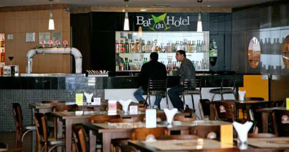 Bar do Hotel (Holiday Inn)/bares/fotos/168942_147660891954652_7028384_n_12032015181732.jpg BaresSP