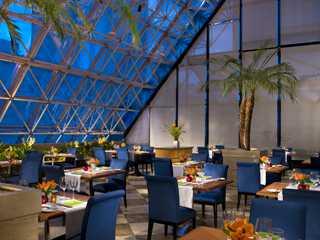 Terra?o Jardins - Hotel Renaissance - Restaurantes ...