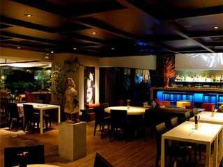 East Restaurante abre para almoço a partir de 22 de maio com novo cardápio Eventos BaresSP 570x300 imagem