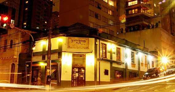 Finnegan s Pub/bares/fotos/finnegans_fachada.jpg BaresSP