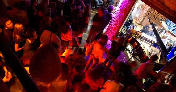 Jazz nos Fundos/bares/fotos/jazznosfundos_02102014112248.jpg BaresSP