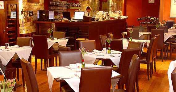 Restaurantes Italianos na Avenida Roque Petroni Júnior