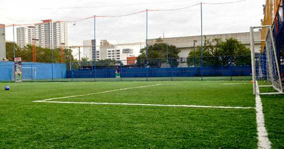 Playball Futebol - Ceasa/bares/fotos/playball1.jpg BaresSP