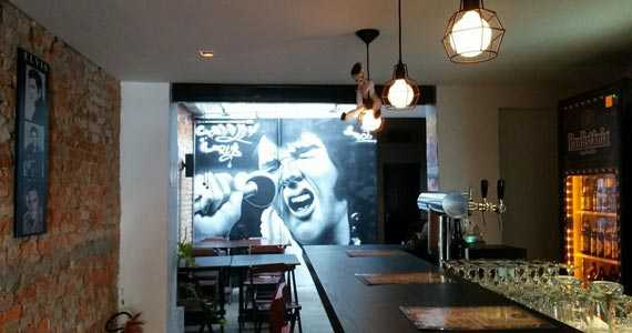 Presley Pub/bares/fotos/presleypub030ok.jpg BaresSP