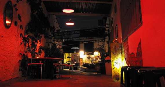 Serralheria/bares/fotos/serralheria2_tratada.jpg BaresSP