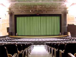 Tuca - Teatro da Universidade Católica de SP/bares/fotos/teatrotuca_palco1.jpg BaresSP