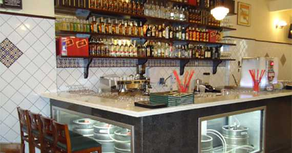 Villa Imperial Bar