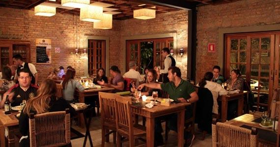 A Casa da Pizza Estufada - Morumbi/bares/fotos2/Casa_Pizza_Estufada_03-min.jpg BaresSP