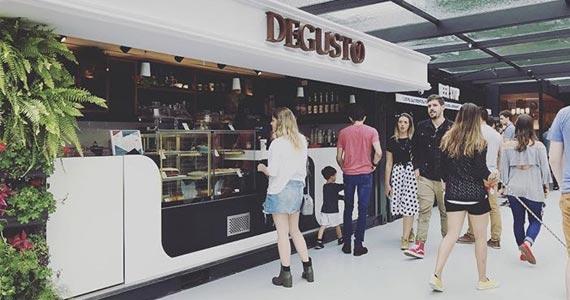 Degusto Café - Fresh Live Market