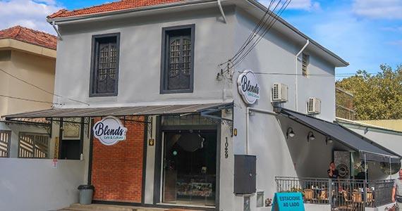 Blends Café & Cultura