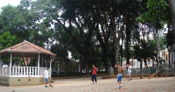 Praça Dom Orione BaresSP 570x300 imagem