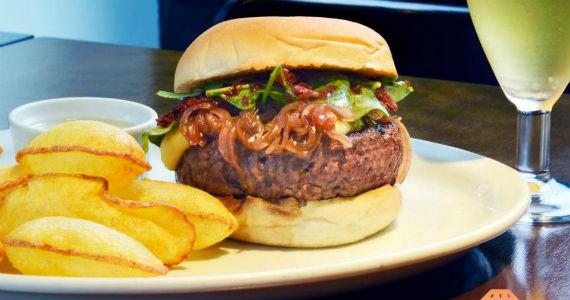 SP Burguer Fest traz lanches especiais para os amantes de hambúrguer Eventos BaresSP 570x300 imagem