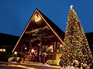 """""""Era Uma Vez Um Chalezinho..."""" emociona adultos e crianças com sua luxuosa decoração natalina Eventos BaresSP 570x300 imagem"""