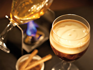 Aprenda a fazer um Irish Coffee e comemore o Saint Patrick´s Day Eventos BaresSP 570x300 imagem