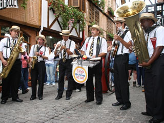 A Choperia Baden Baden, em Campos do Jordão, realiza de 1º a 31 de outubro o IV Oktoberfest,  Eventos BaresSP 570x300 imagem