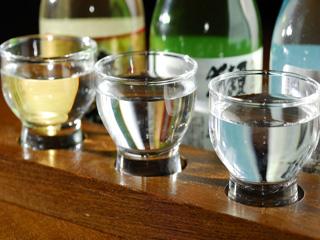 Itigo Sake House realiza uma degustação especial com três modelos da bebida oriental para comemorar o dia do Saquê Eventos BaresSP 570x300 imagem