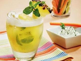 Drink de Abacaxi com Hortelã Eventos BaresSP 570x300 imagem
