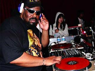 Dub Music promove workshop com o Dj Afrika Bambaataa Eventos BaresSP 570x300 imagem