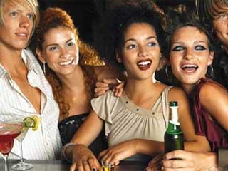 Sites oferecem bebidas e outros produtos essenciais para um esquenta em sistema delivery Eventos BaresSP 570x300 imagem
