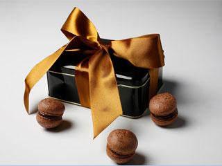 Dia dos Pais ganha sabor especial com lata comemorativa criada para a ocasião por Bel Macarons  Eventos BaresSP 570x300 imagem