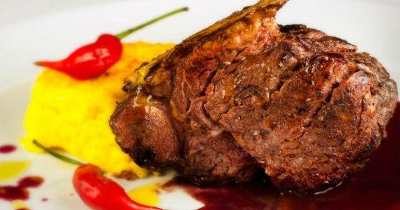 Chef Théo Medeiros sugere a Bisteca de Filet para o início da temporada de Outono 2013 Eventos BaresSP 570x300 imagem