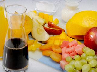 Aprenda a preparar Frutas com Calda de Café Eventos BaresSP 570x300 imagem