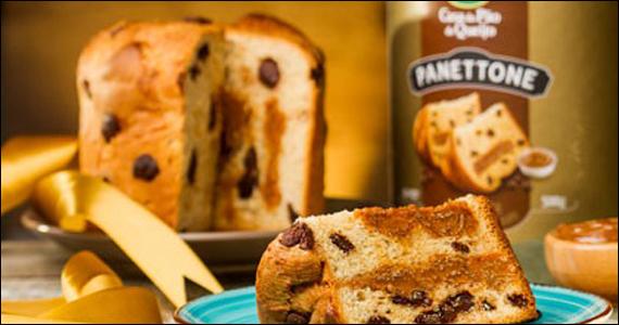 Para celebrar o Natal Casa do Pão de Queijo prepara Panetone de Doce de Leite Eventos BaresSP 570x300 imagem