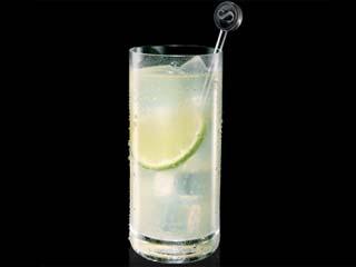 Aprenda a fazer um drink refrescante com Sagatiba e refrigerante de limão Eventos BaresSP 570x300 imagem