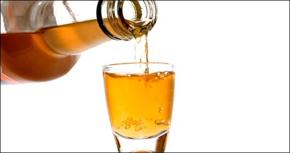 Dia da Cachaça: Conheça os bares que servem essa bebida Eventos BaresSP 570x300 imagem