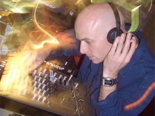 Atração supresa do Boom Festival 2008, Dickster é um dos DJ's confirmados para a Earthdance SP 2008 Eventos BaresSP 570x300 imagem