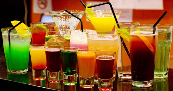 Mercado de trabalho procura mulheres bartenders qualificadas 1 Eventos BaresSP 570x300 imagem