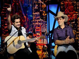 Fernando e Sorocaba sobem ao palco do Villa Country com os hits do DVD Bola de Cristal Eventos BaresSP 570x300 imagem
