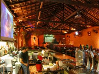 Único Pizza-Bar da Móoca, Empório 167 aposta em pizzas, mesa de antepastos e a Terça Cultural, divertido projeto de comédia Eventos BaresSP 570x300 imagem