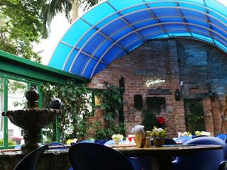 Pratos para todos os gostos podem ser degustados em ambiente acolhedor com teto retrátil. Eventos BaresSP 570x300 imagem