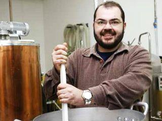 Bar Bierboxx tem aula sobre cervejas artesanais caseiras com o cervejeiro Leonardo Botto Eventos BaresSP 570x300 imagem