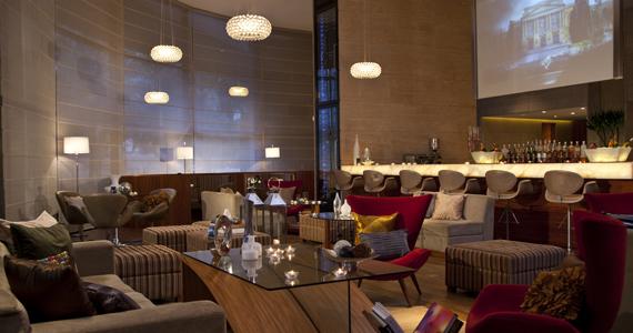 Living Lounge Bar & Sushi oferece petiscos típicos e drinks exclusivos para o aniversário de São Paulo Eventos BaresSP 570x300 imagem