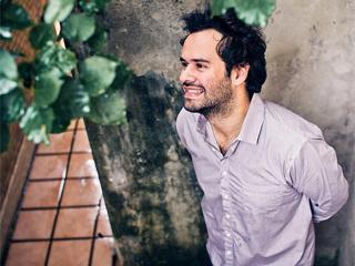 Marcelo Jeneci apresenta show para o projeto Sons da Nova no Tom Jazz Eventos BaresSP 570x300 imagem