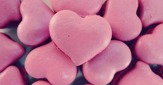 Marie-Madeleine comemora Valentine's Day com macarons em forma de coração Eventos BaresSP 570x300 imagem
